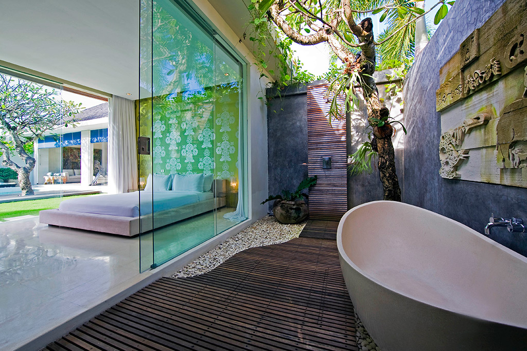 7. Premium Villa Bathroom