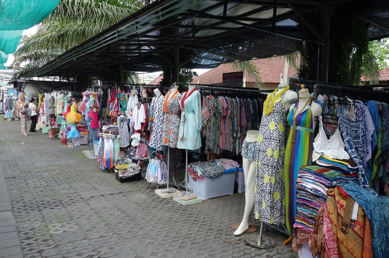 Last Minute Christmas Shopping In Seminyak
