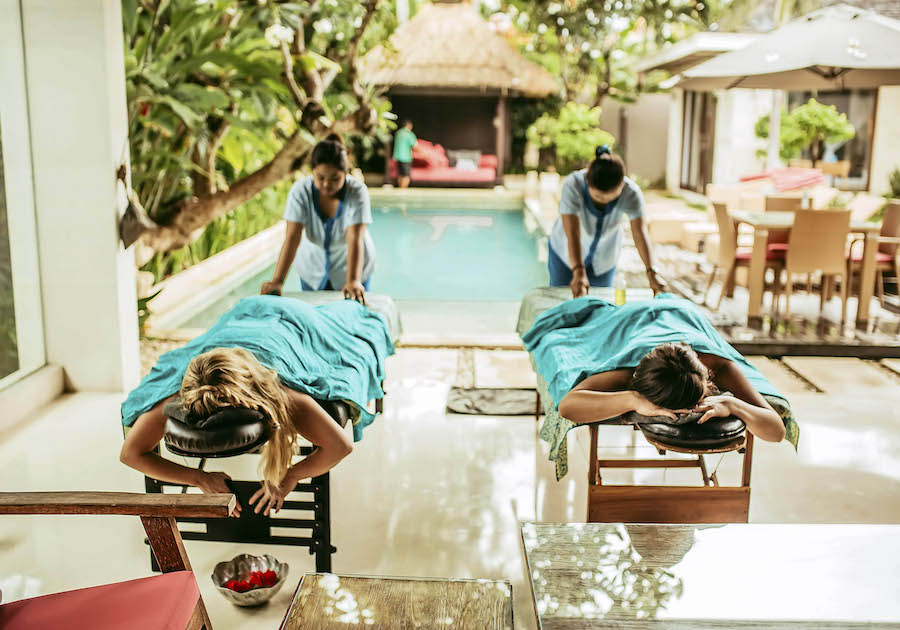 chandravillas poolside massage 2