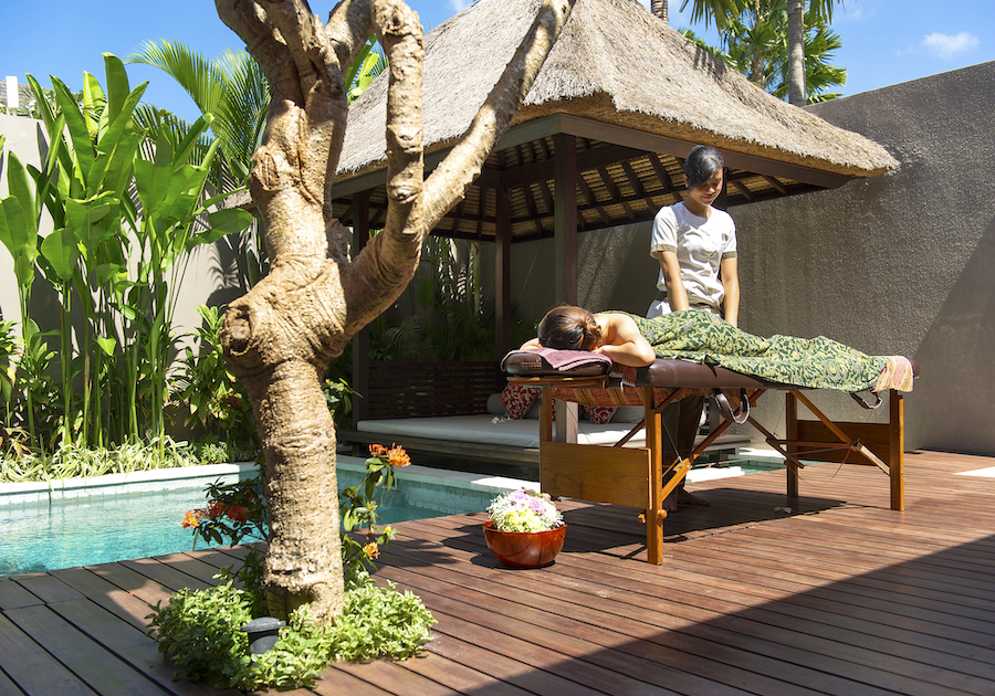 chandravillas poolside massage service